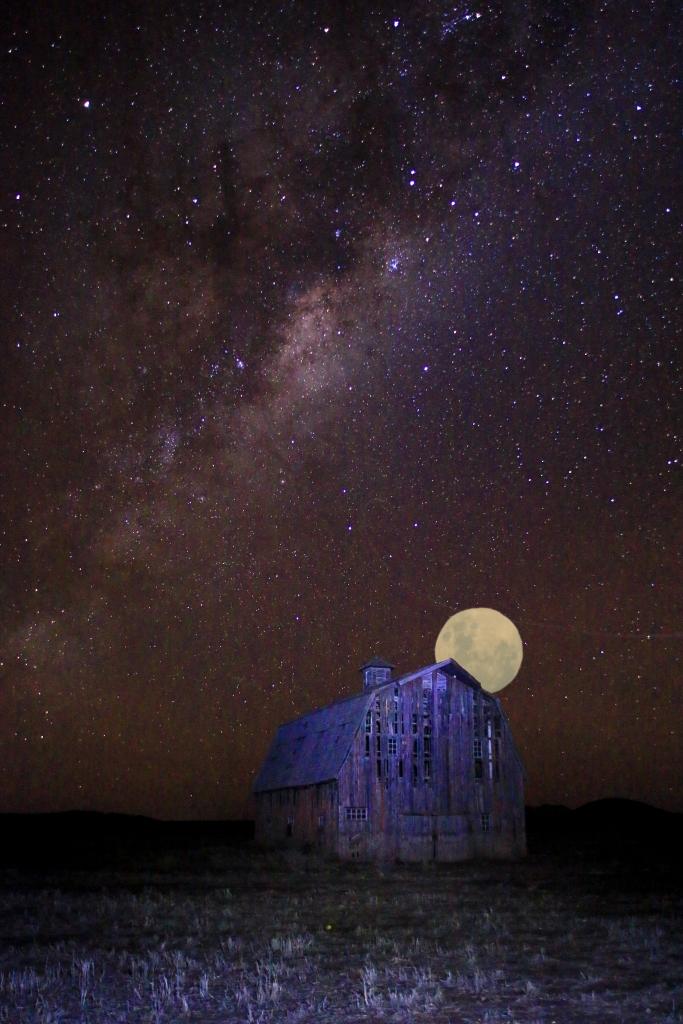 StuartDolbel_2ndMayTheme_Moonrise