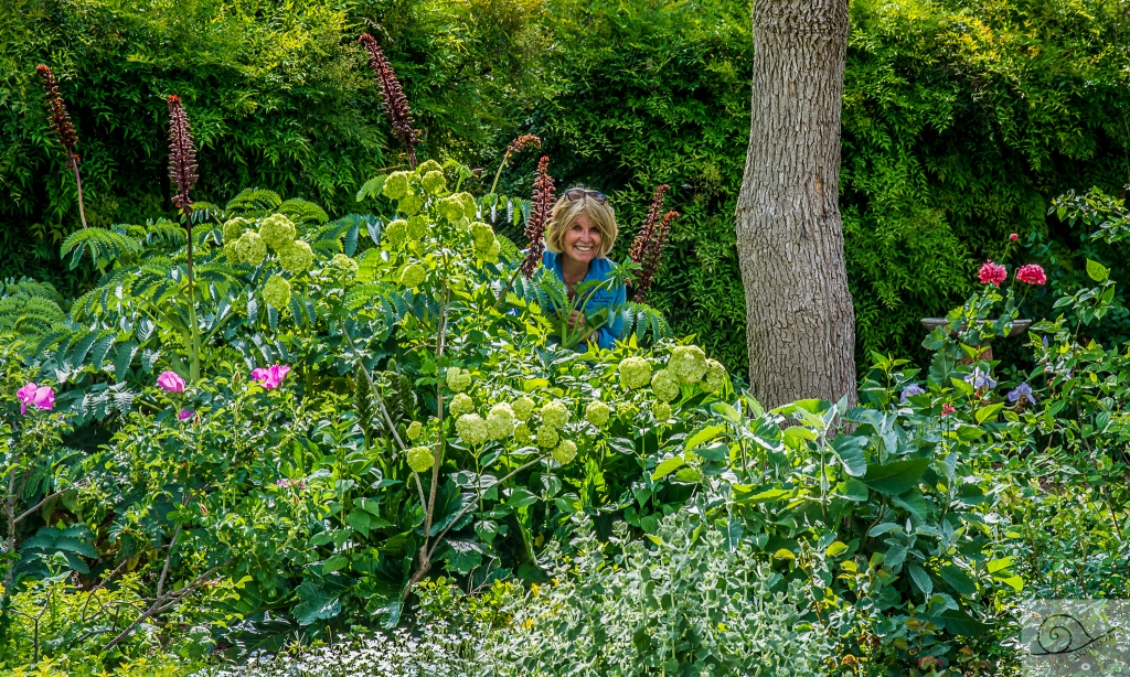 marycadell-oct16-garden-selfie