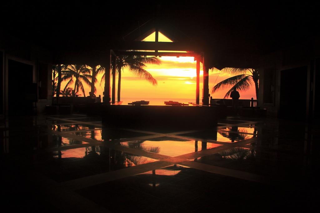 lucashawkins_jan2017silouettecomp_sunset-paradise